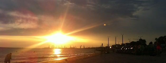 3-й городской пляж Бердянска is one of Posti che sono piaciuti a Lenyla.