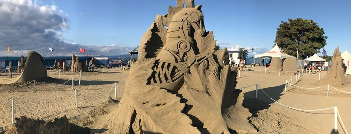 Sandcastles is one of Lieux sauvegardés par Cate.