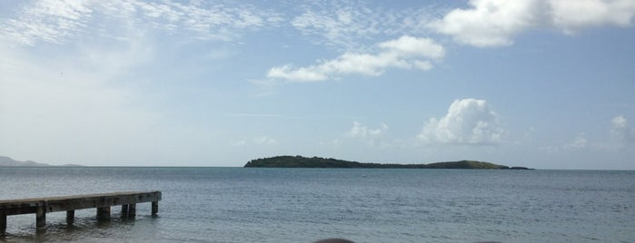 Chenay Beach is one of สถานที่ที่ M ถูกใจ.