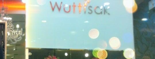 วุฒิ-ศักดิ์ คลินิค (Wuttisak) is one of Wuttisak.
