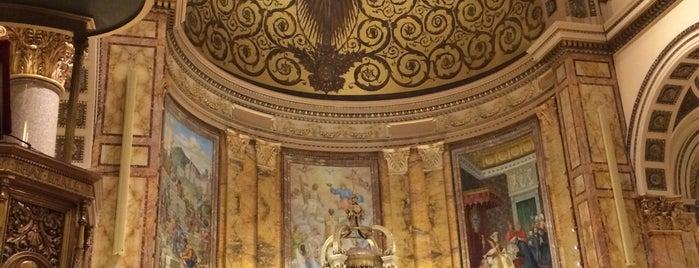 St. Ignatius of Loyola Catholic Church is one of Lieux qui ont plu à R.