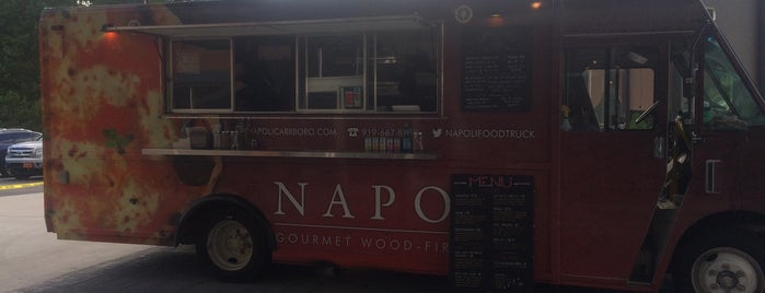 Napoli Gourmet Wood Fired Pizza is one of crash course: joyce visits.