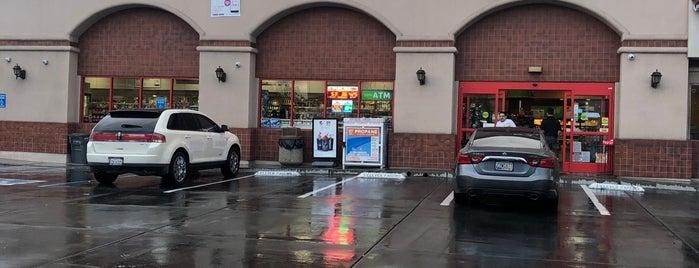 7-Eleven is one of Orte, die John gefallen.