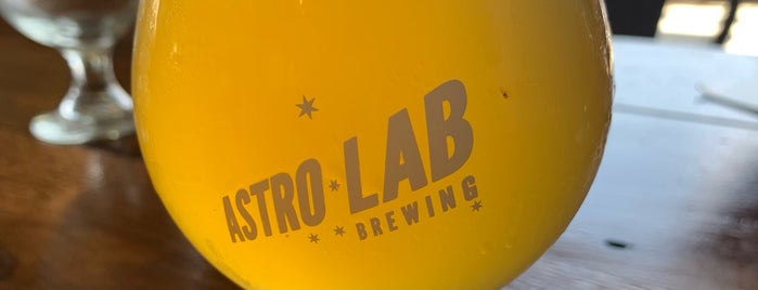 Astro Lab Brewery is one of Lieux qui ont plu à Mimi.