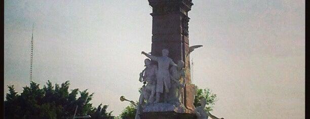 Monumento a la Independencia is one of Lugares favoritos de Victoria.