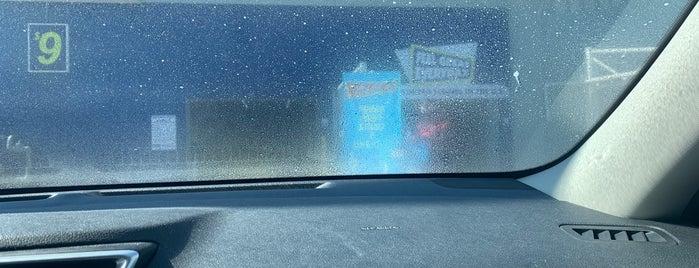 Kevin's Car Wash is one of Lieux qui ont plu à Virginia.