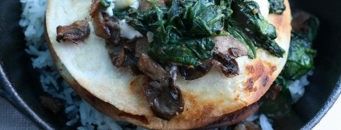La Food Marketa is one of Locais curtidos por Rachel.
