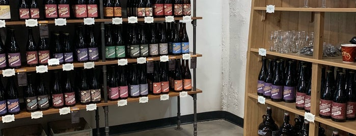 The Bruery Store is one of Lugares favoritos de Rachel.