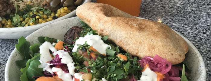 Roti Modern Mediterranean is one of Tempat yang Disukai Rachel.