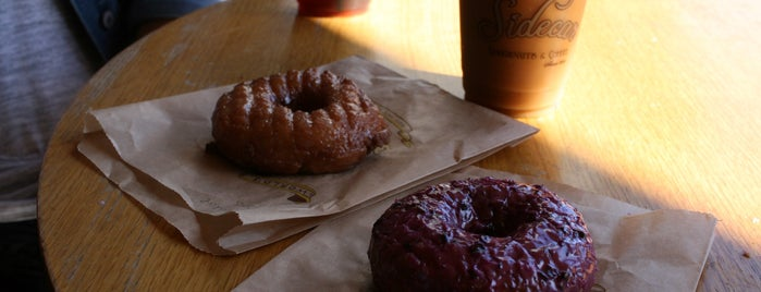 Sidecar Doughnuts & Coffee is one of Lieux qui ont plu à Rachel.