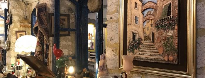 Antik Cafe is one of Alaçatı.