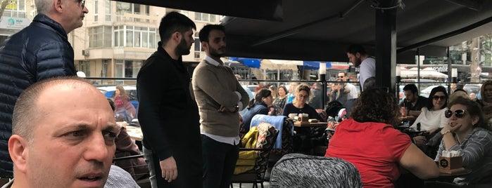 Chocolabs Caddebostan is one of Orte, die Çağlar gefallen.