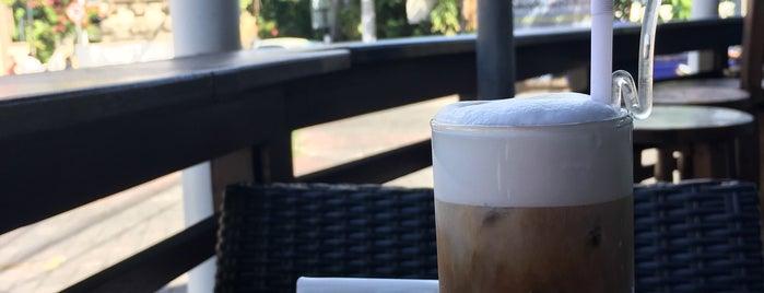 Blue Cafe is one of Lugares favoritos de Manon.