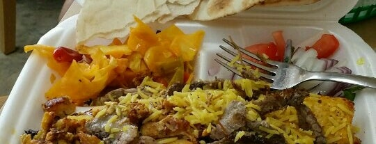 Detroit Kabob House is one of Tempat yang Disukai Joey.