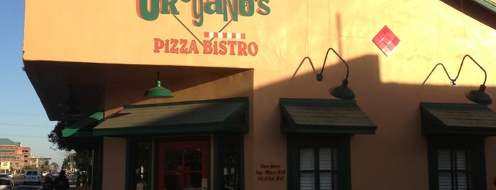 Oregano's Pizza Bistro is one of Locais curtidos por Andy.