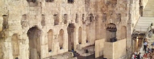 Odeon des Herodes Atticus is one of A local's guide: 48 hours in Athens.