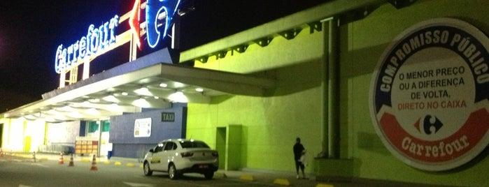 Carrefour is one of Tempat yang Disukai Thiago.
