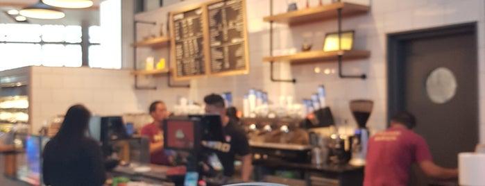 Caffe Nero is one of Tempat yang Disukai Alan.
