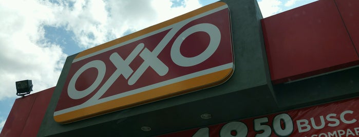 Oxxo is one of Posti che sono piaciuti a Adiale.
