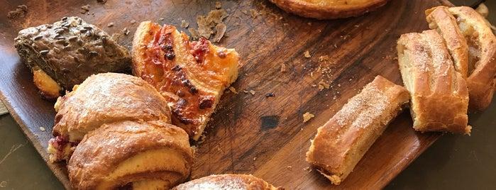 Kruvasancı | Croissant Bakery is one of Ayhan'ın Beğendiği Mekanlar.