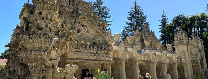 Le Palais Ideal du Facteur Cheval is one of Oddities.