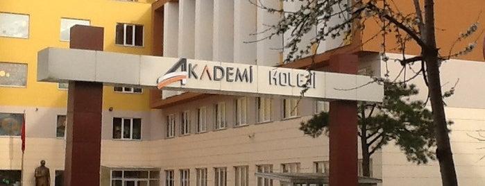 Akademi Koleji is one of Lieux qui ont plu à Cemal.