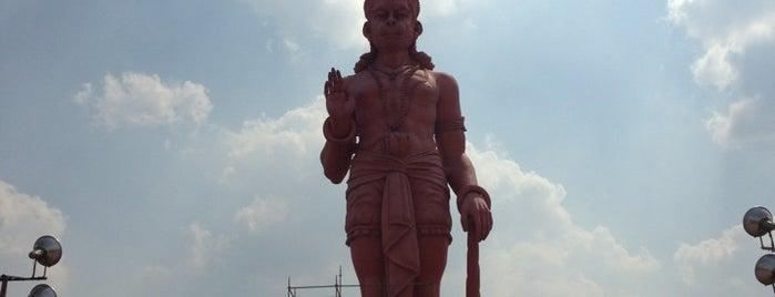 Chattarpur is one of Lieux sauvegardés par Sumeet.