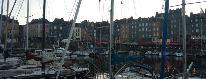 Port d'Honfleur is one of Overlord 2017.