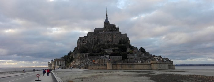Le Mont-Saint-Michel is one of Overlord 2017.