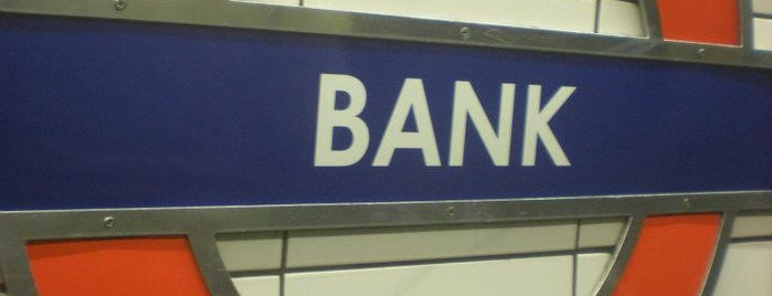 Bank London Underground and DLR Station is one of Locais salvos de Ian.