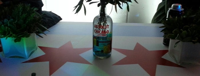 ABSOLUT Chicago Launch at Threadless is one of Locais salvos de NoirSocialite.