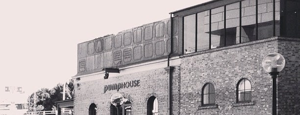 Pumphouse Bar & Restaurant is one of Orte, die Kat gefallen.