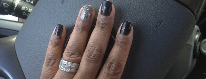 Silverlake Nail Spa is one of Locais curtidos por Isabella.