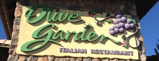Olive Garden is one of Lugares favoritos de Clint.