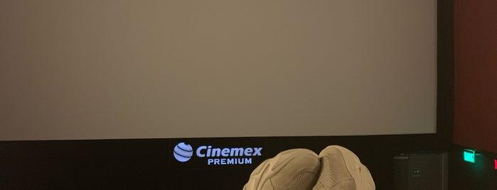 Cinemex Platino is one of Lugares favoritos de Ismael.