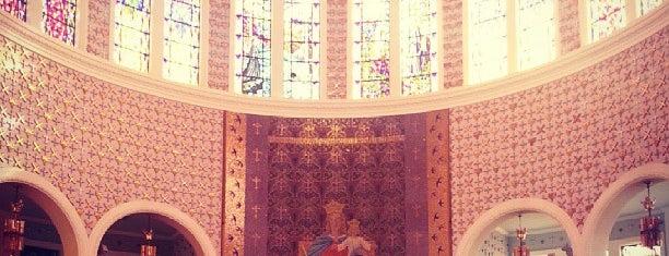Paróquia Nossa Senhora Auxiliadora is one of Locais curtidos por Heloisa.