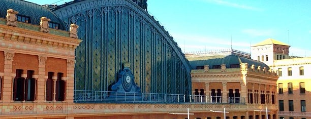 Estación de Madrid-Puerta de Atocha is one of สถานที่ที่ Silvia ถูกใจ.