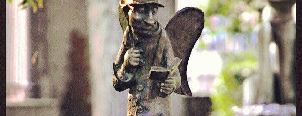 Скульптура «Петербургский ангел» is one of СПб. Необычные места.