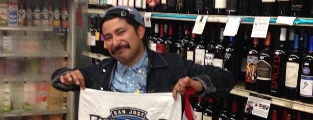 Save-More Market Liquor is one of Posti che sono piaciuti a Paulo.
