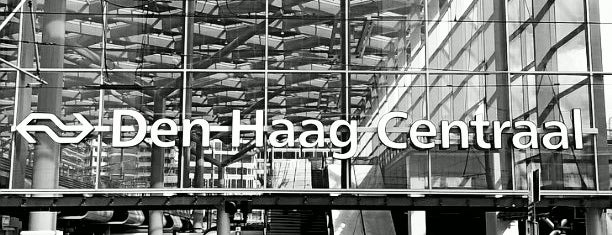 Station Den Haag Centraal is one of Posti che sono piaciuti a FernFern.