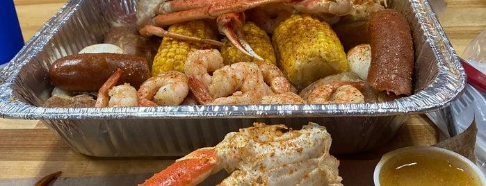 Krabby Daddy's is one of Lake Wauwanoka.