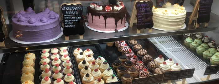 Jennivee's Bakery is one of Chicago.