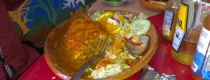 Restaurante Los 7 Mares is one of Lieux qui ont plu à Brenda.