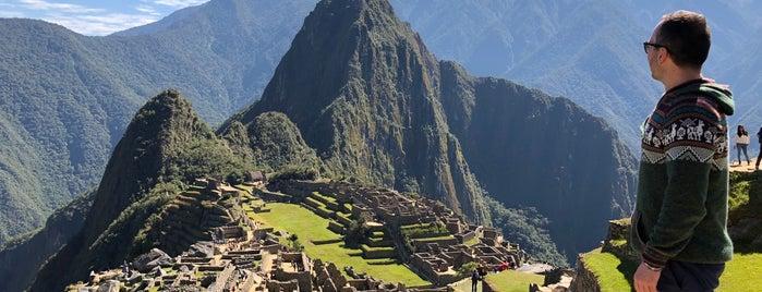 Montaña Machu Picchu is one of Lugares favoritos de Ross.