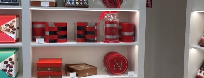 Neuhaus is one of Testen: Shopping.