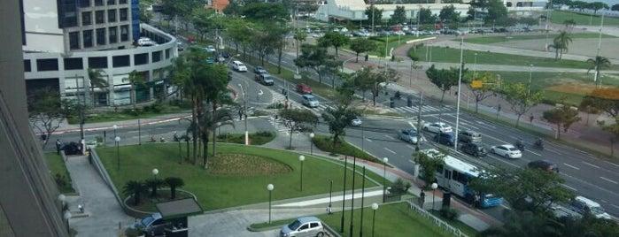 Avenida Nossa Senhora dos Navegantes is one of Fabioさんのお気に入りスポット.