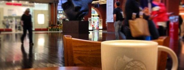 Starbucks is one of Orte, die Belén gefallen.