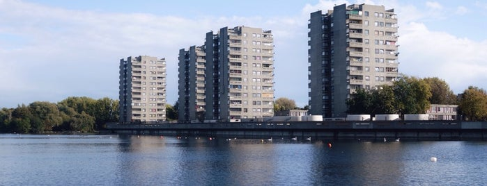 Southmere Lake is one of London.