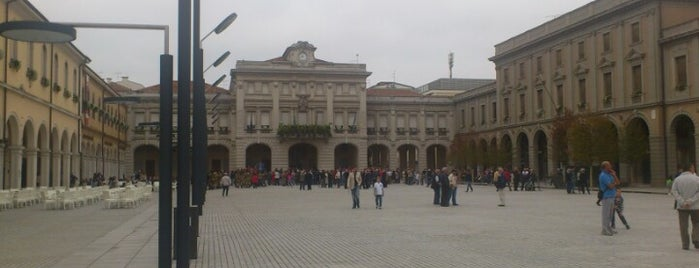 Piazza Indipendenza is one of I miei luoghi.
