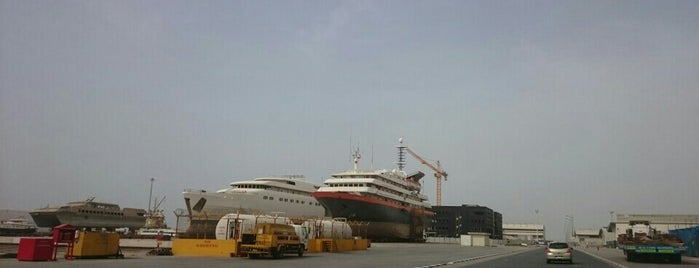 Dubai Maritime City is one of Beverlyさんのお気に入りスポット.